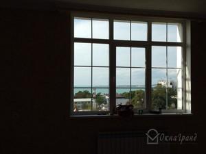 Остекление квартиры в доме серии ''ii-49'' : пластиковые окн.